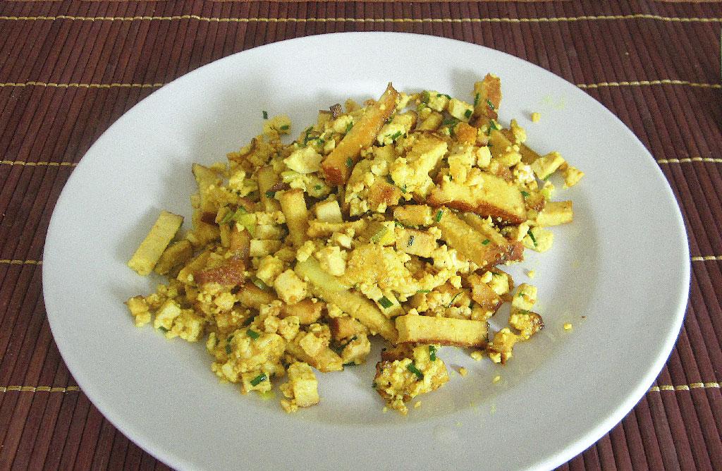 Vegan Frühstück, Tofu Rührei,, Eiweiß
